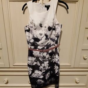 White House Black Market dress. Ombre lily print